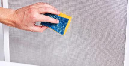 Zanzariere in salute: consigli per la pulizia e la manutenzione.